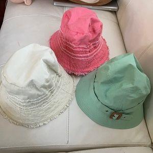 3 Gap hats 🎩